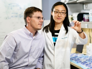 Tiffany Hsu, an M.D./Ph.D student in the Medical Scientist Training Program, and lead author of the study, with Dr. Trey Westbrook.